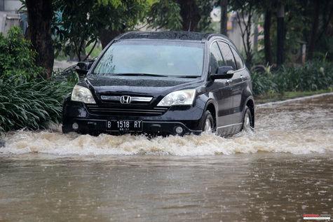 tips-dari-honda--merawat-mobil-di-musim-hujan-e1ced5
