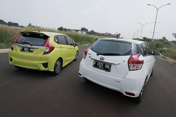 20141015_103819_Toyota_Yaris_VS_Honda_Jazz-17