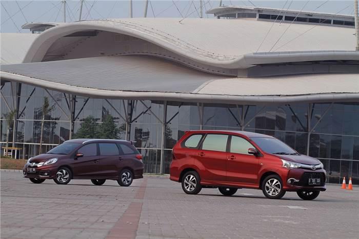 0_468_700_0_70_autocar-indonesia-content-20150928092323-Konsumsi BBM Avanza Veloz vs Honda Mobilio